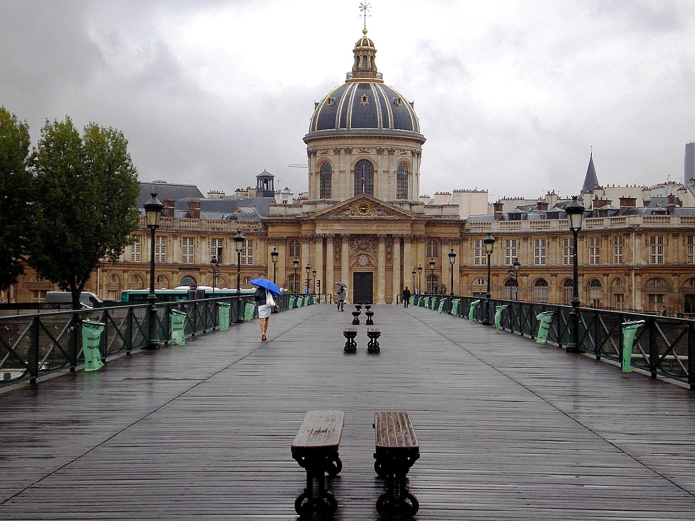 Le pont des arts l amour cadenass paris nu - Le pont de lamour a paris ...