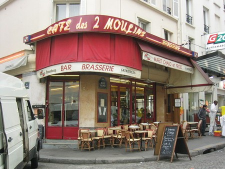 Paris_-_Café_des_2_Moulins_-_2004