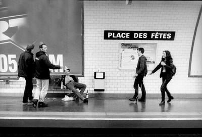 metropolisson-des-photographies-pleines-dhumour-sur-les-stations-de-metro-de-paris21