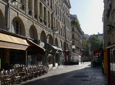 1280px-P1130462_Paris_Ier_rue_de_la_Ferronnerie_rwk