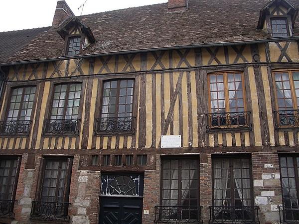 1280px-Maison_natale_benserade